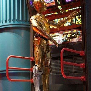 40 of 82: Star Tours - Star Tours walk through