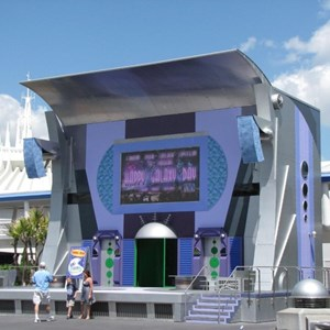 2 of 3: Stitch's SuperSonic Celebration - Stitch's SuperSonic Celebration construction photos