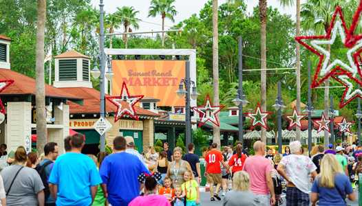 PHOTOS - Sunset Blvd gets ready for the new Sunset Seasons Greetings holiday show at Disney's Hollywood Studios