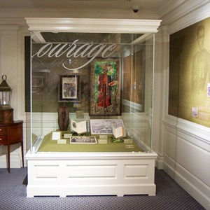 10 of 12: The American Heritage Gallery - Re-Discovering America: Family Treasures from the Kinsey Collection