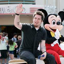 "Newly crowned 2010 ""American Idol"" Lee DeWyze visits Disney's Hollywood Studios"