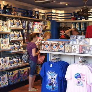 6 of 10: The American Idol Experience - American Idol gift shop