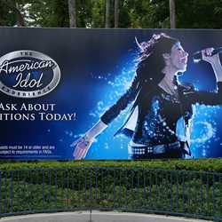 American Idol Experience billboard at main entrance
