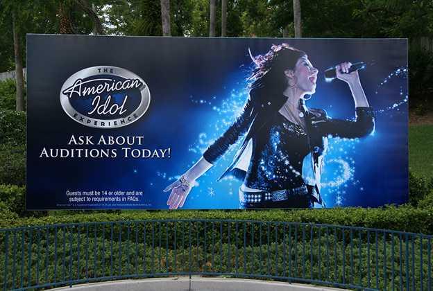 American Idol Experience billboard at main entrance