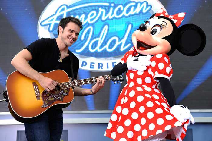 Kris Allen celebrates at Walt Disney World