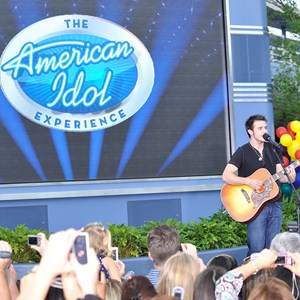 2 of 2: The American Idol Experience - Copyright 2009 The Walt Disney Company.
