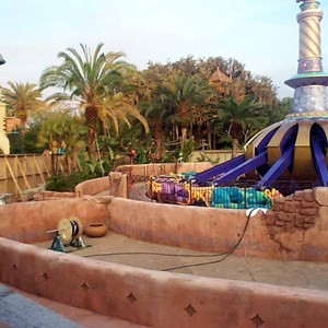 2 of 6: The Magic Carpets of Aladdin - Aladdin construction