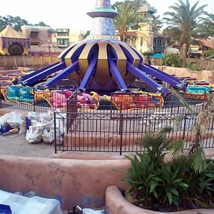 4 of 6: The Magic Carpets of Aladdin - Aladdin construction