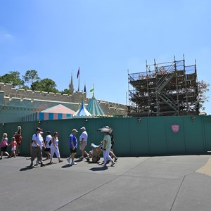 1 of 2: The Many Adventures of Winnie the Pooh - Queue area construction