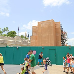 2 of 2: The Many Adventures of Winnie the Pooh - Queue area construction