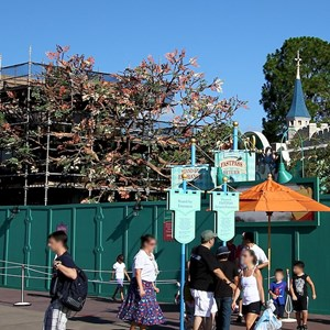 7 of 7: The Many Adventures of Winnie the Pooh - Queue area construction