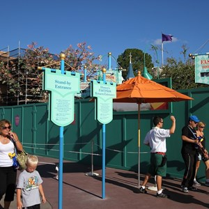 3 of 7: The Many Adventures of Winnie the Pooh - Queue area construction