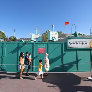 5 of 7: The Many Adventures of Winnie the Pooh - Queue area construction