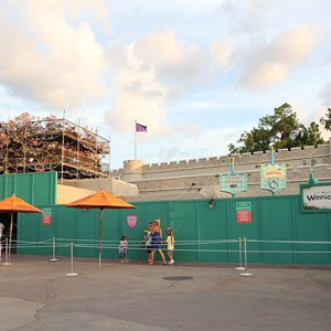 2 of 3: The Many Adventures of Winnie the Pooh - Queue area construction