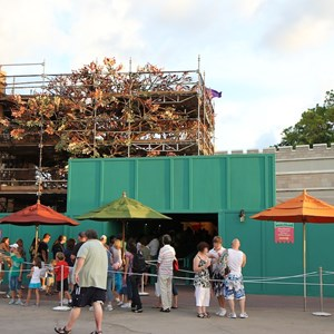 3 of 3: The Many Adventures of Winnie the Pooh - Queue area construction
