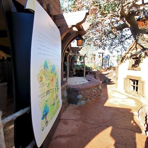 16 of 31: The Many Adventures of Winnie the Pooh - New queue area