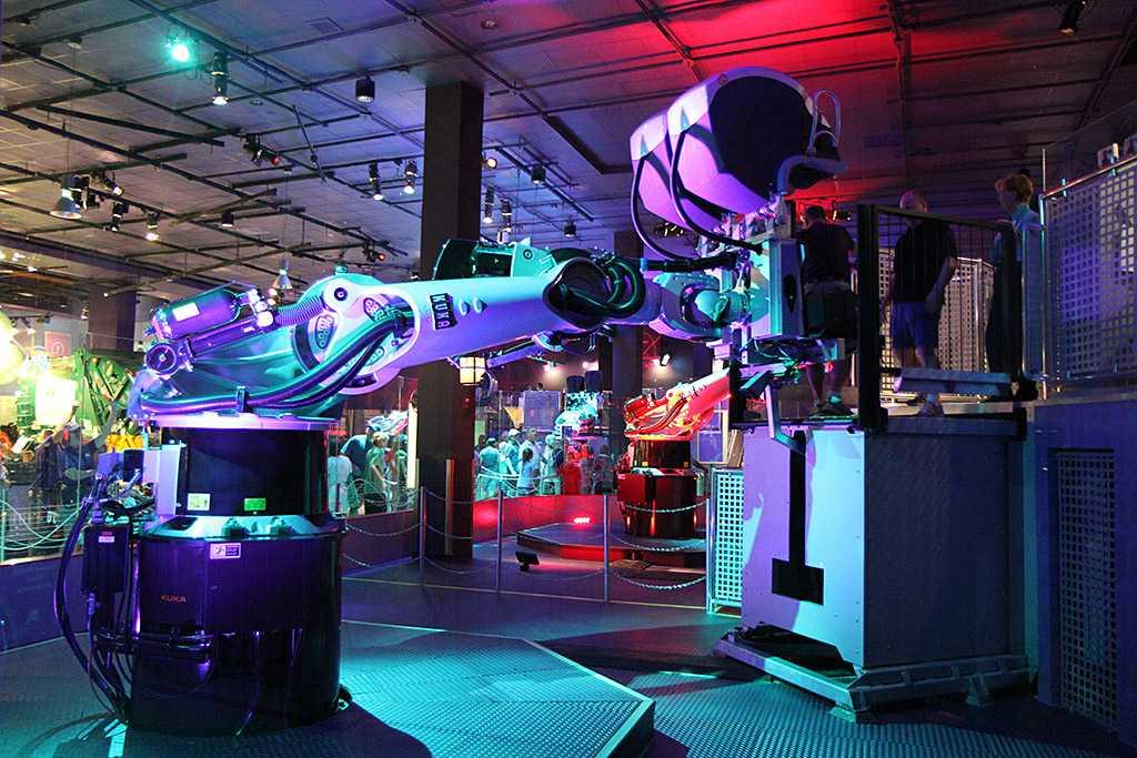 Boarding the Kuka robot arm simulator
