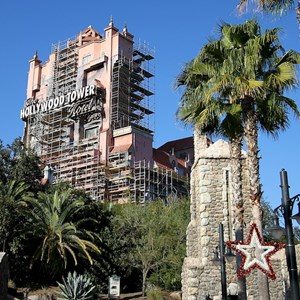 2 of 4: The Twilight Zone Tower of Terror - Tower of Terror scaffolding