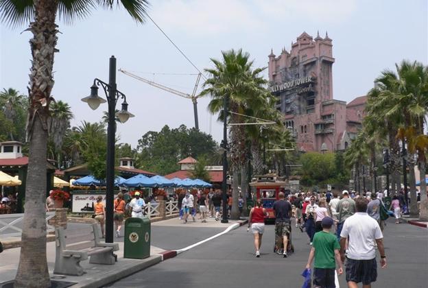 Crane onsite at Tower of Terror
