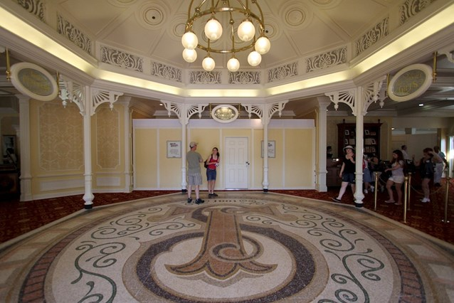 Town Square Theater - The lobby facing the meet and greet entrance