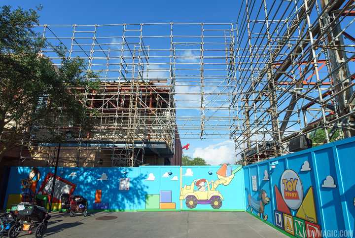 PHOTOS - Demolition of Soundstage 4 at the new Toy Story Land entrance