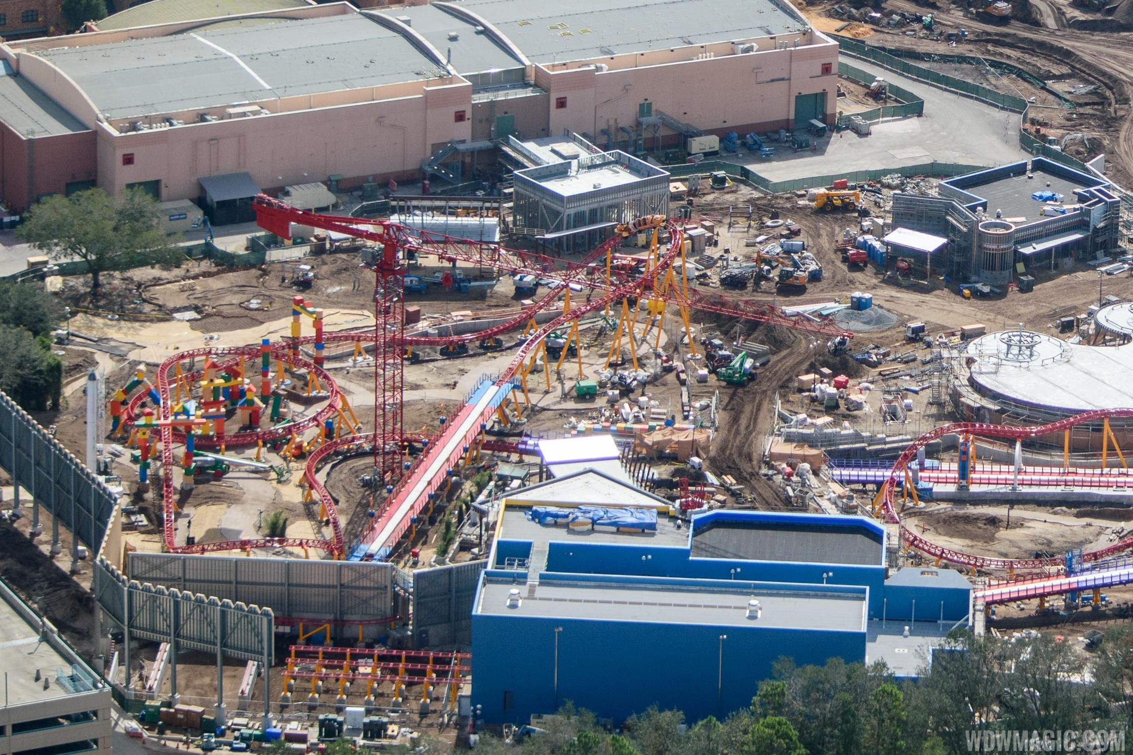 Toy Story Land construction aerial views Photo 4 of 9 : Toy Story LandFull31234 from www.wdwmagic.com size 2280 x 1520 jpeg 422kB
