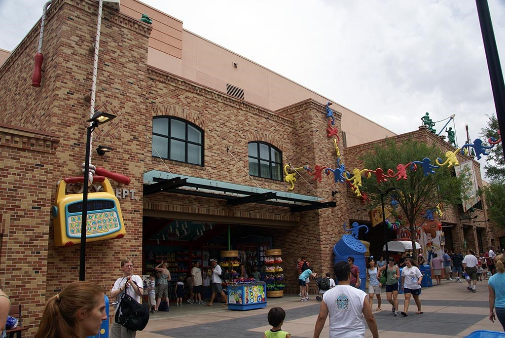 Pixar Place now completely wall-less, and Toy Story Meet and Greet moves in