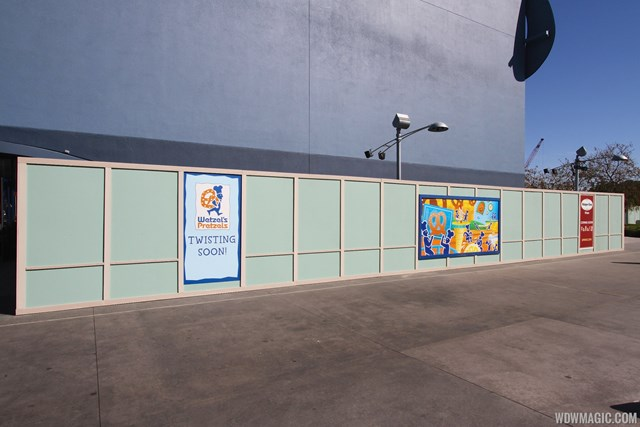 Wetzel's Pretzels and Haagen Dazs kiosks now under construction