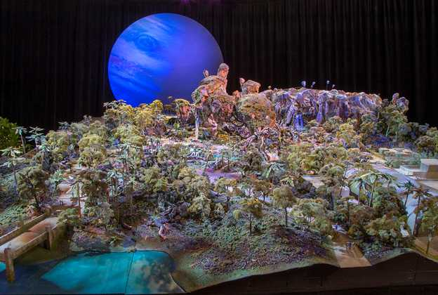 AVATAR model at D23 EXPO 2015