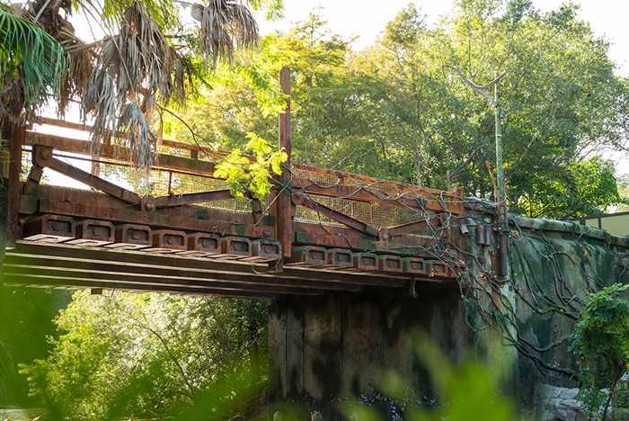 Pandora entrance bridge