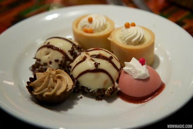 Boma - Flavors of Africa - Boma Dinner buffet plate - Desserts
