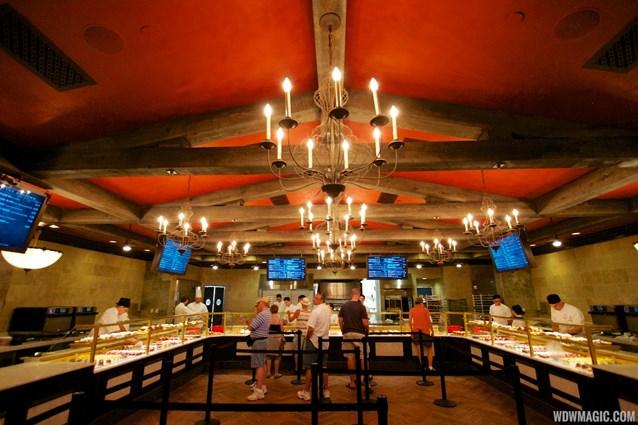 Les Halles Boulangerie Patisserie - Les Halles Boulangerie Patisserie - Inside the bakery