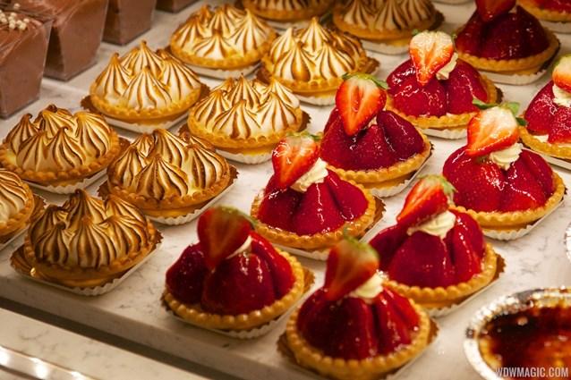 Les Halles Boulangerie Patisserie - Les Halles Boulangerie Patisserie - Baked goods