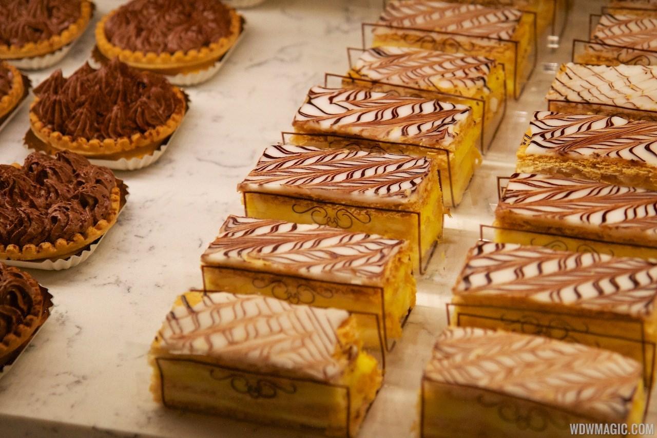 Les Halles Boulangerie Patisserie tour