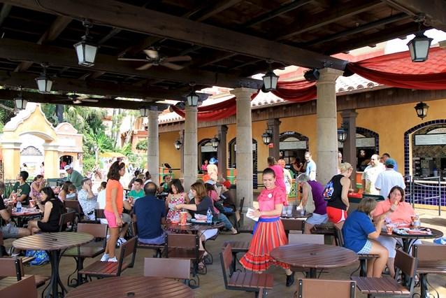 La Cantina de San Angel - Dining area and service windows