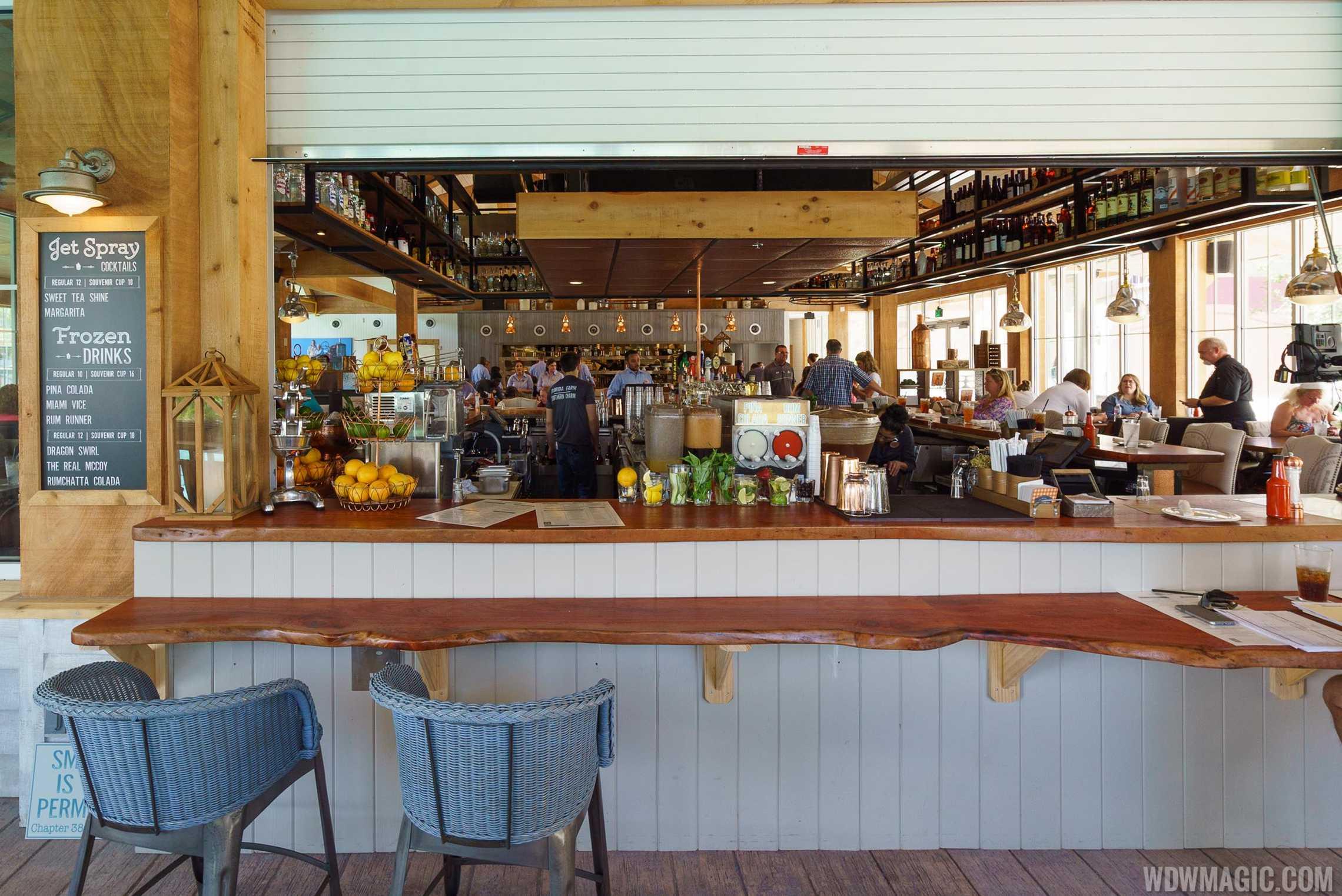Homecoming: Florida Kitchen and Shine Bar bar area