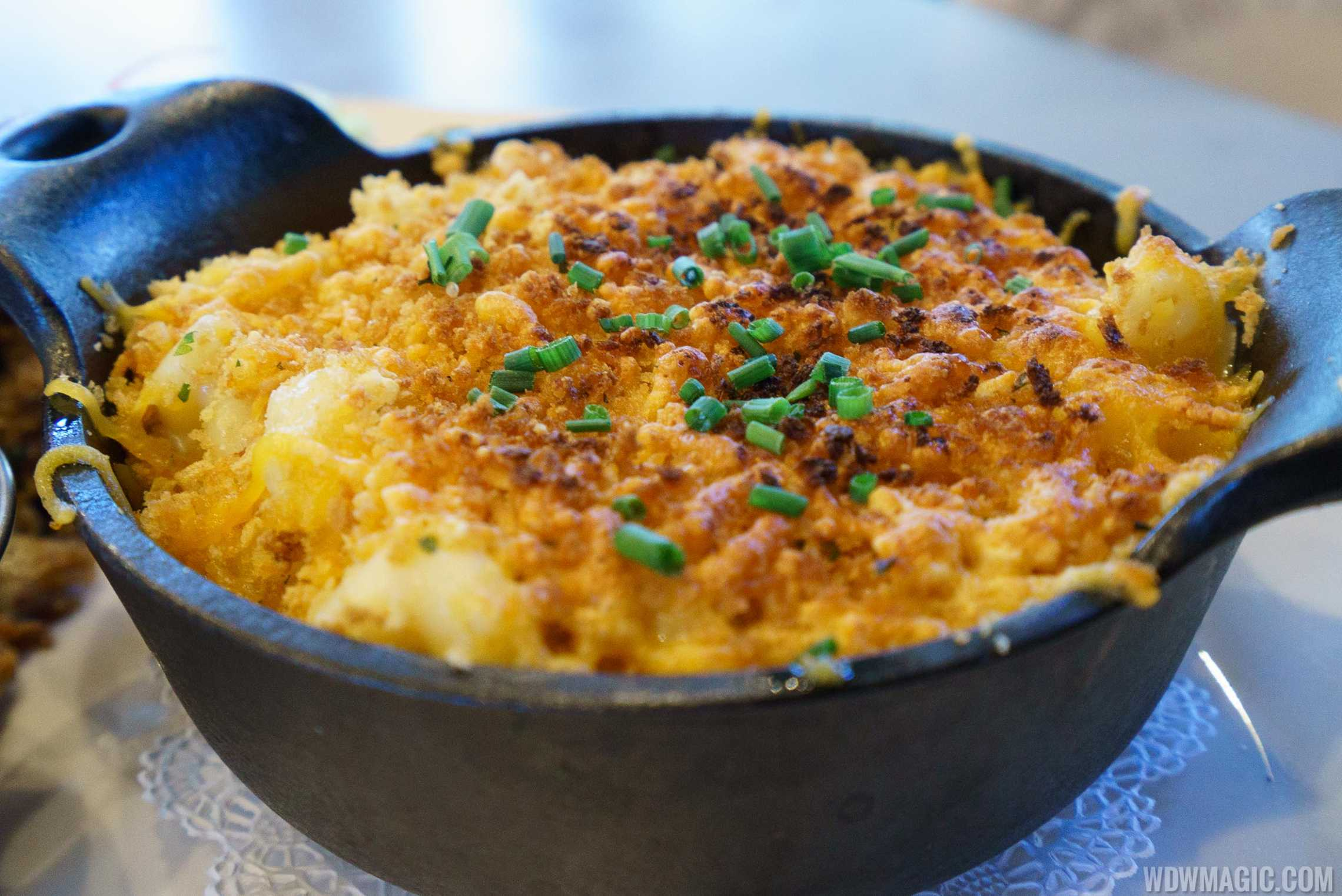 Homecoming restaurant - Momma's Mac and Cheese