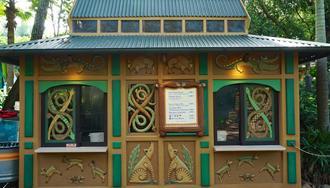 Gardens Kiosk at Disney's Animal Kingdom has a new look and new healthy eating menu