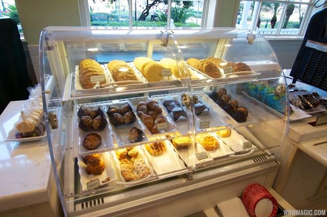 Gasparilla Island Grill - Gasparilla Island Grill baked goods case