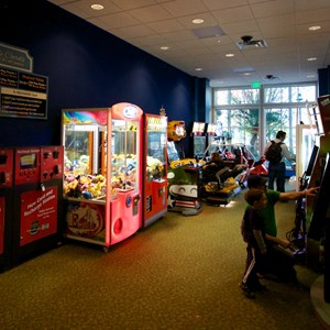16 of 17: Gasparilla Island Grill - Gasparilla Island Grill video game arcade