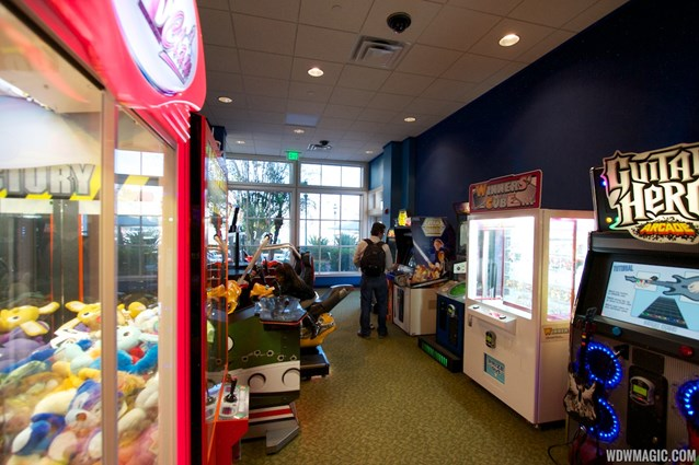 Gasparilla Island Grill - Gasparilla Island Grill video game arcade