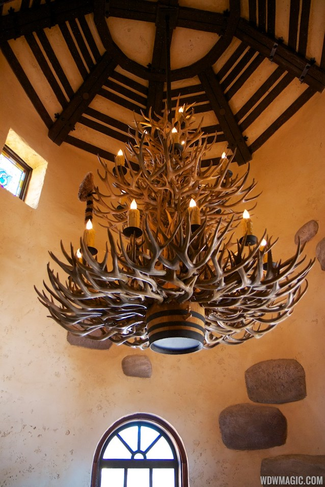 Gaston's Tavern - Gaston's Tavern decor