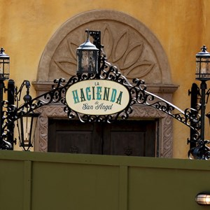17 of 20: La Hacienda de San Angel - Construction and exterior dining areas