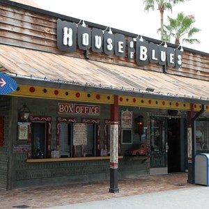 3 of 4: House of Blues - House of Blues quick service barbecue construction