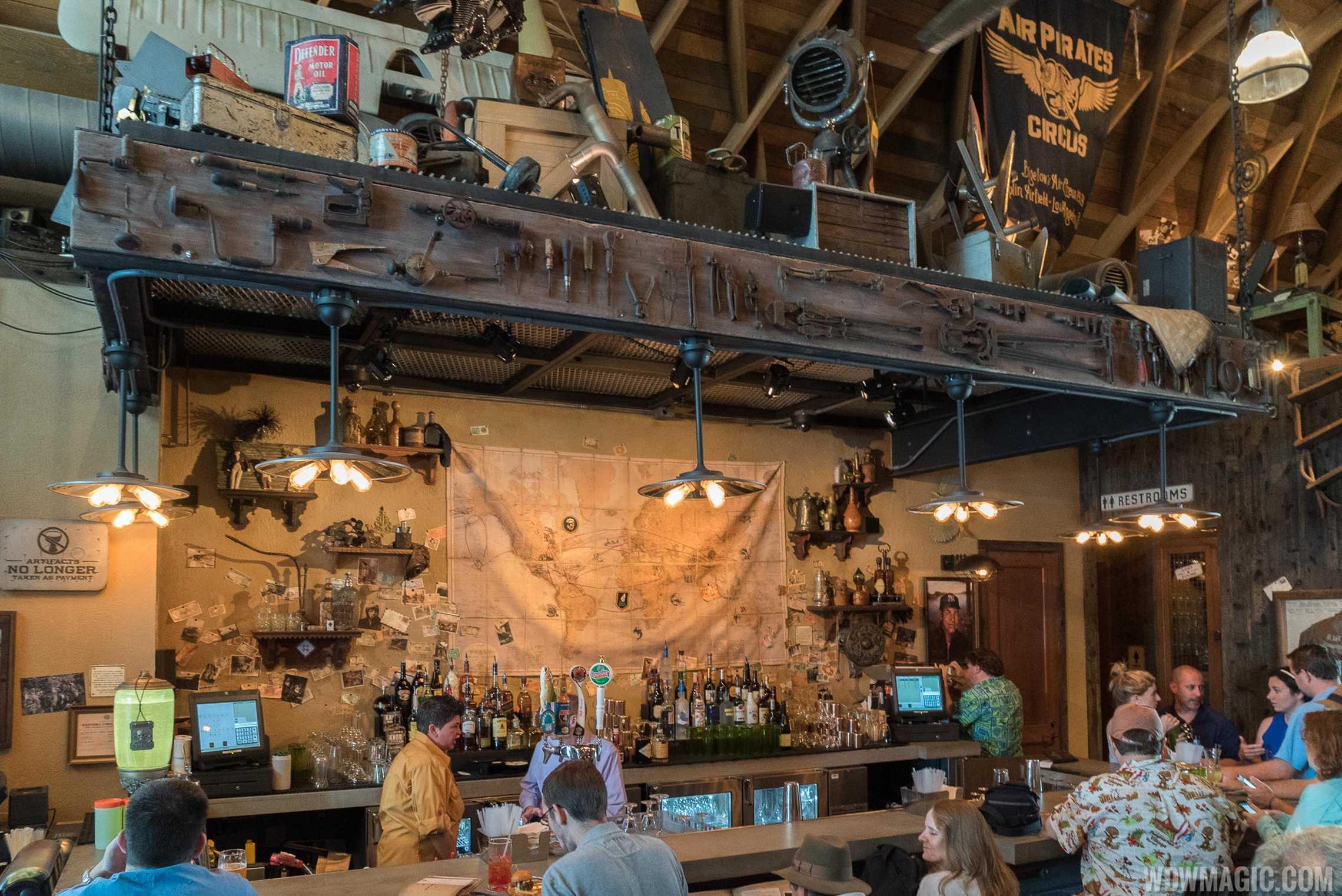 Jock Lindsey's Hangar Bar - Bar area