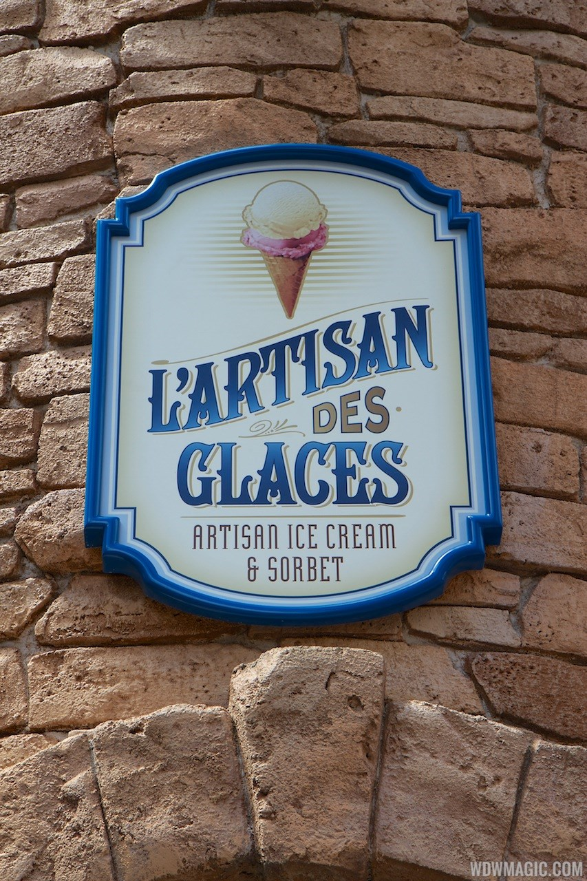 L'Artisan des Glaces opening day