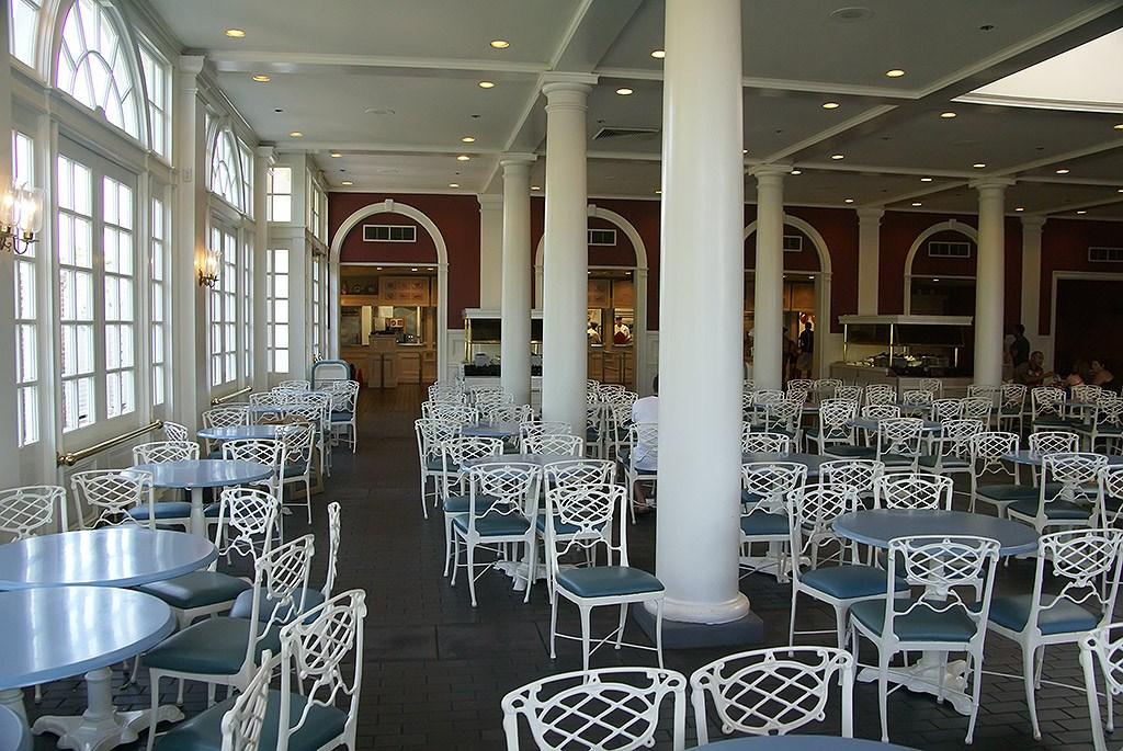 Liberty Inn interior