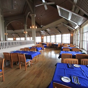 4 of 4: Narcoossee's - Narcoossee's dining room