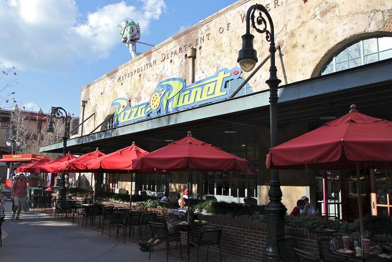 [Disney's Hollywood Studios] Grand Avenue (automne 2017) Pizza-Planet_Full_12784