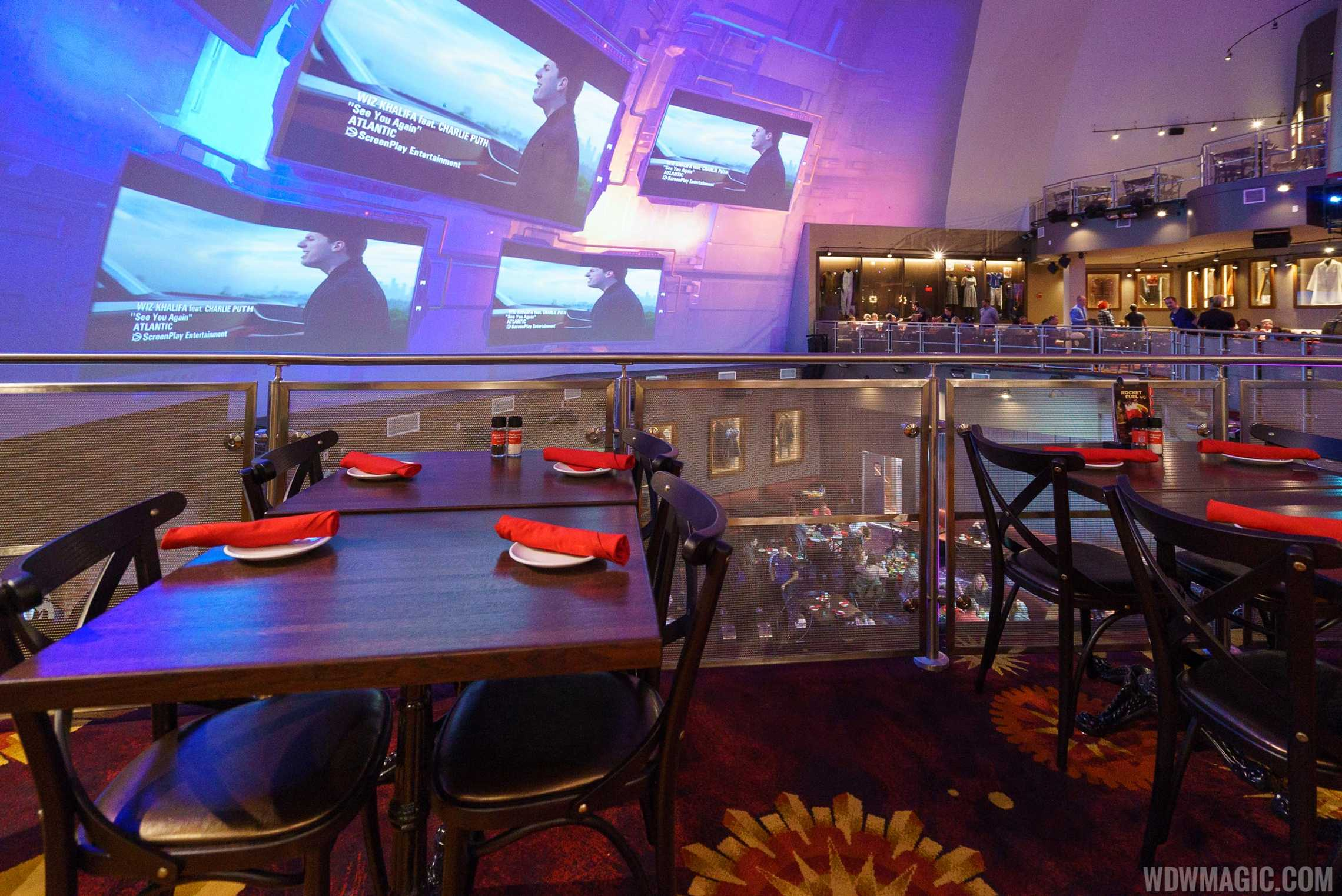 Planet Hollywood Observatory - Dining tables